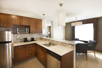 In-Room Kitchenette | Holiday Inn Express & Suites Hot Springs
