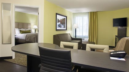 Guestroom | Candlewood Suites Carrollton