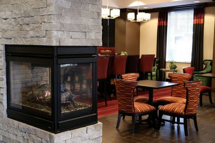 Interior Entrance | Hampton Inn Lewiston-Auburn