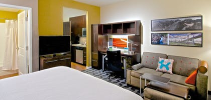 Living Area | Towneplace Suites Anchorage Midtown