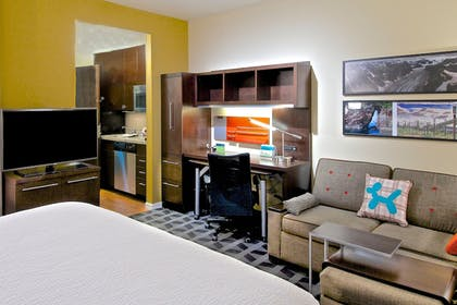 Guestroom | Towneplace Suites Anchorage Midtown