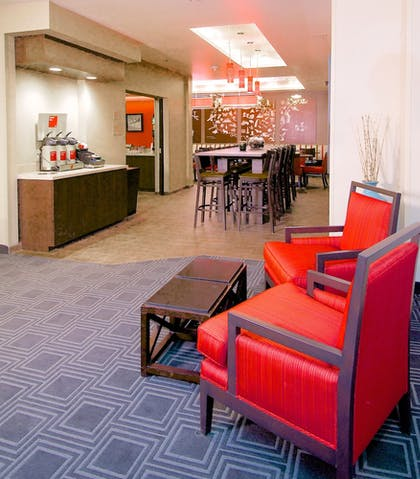 Lobby Sitting Area | Towneplace Suites Anchorage Midtown