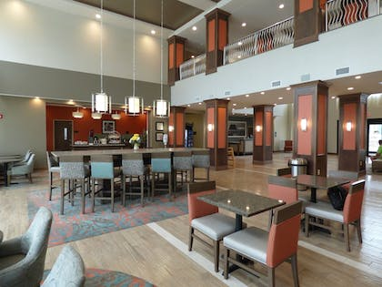 Lobby Lounge | Hampton Inn & Suites Pensacola/I-10 Pine Forest Road
