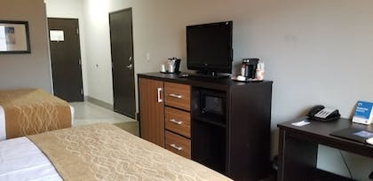 Guestroom | Comfort Inn & Suites Tulsa I-44 West - Rt 66