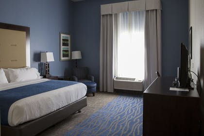 Guestroom | Holiday Inn Express & Suites Edwardsville